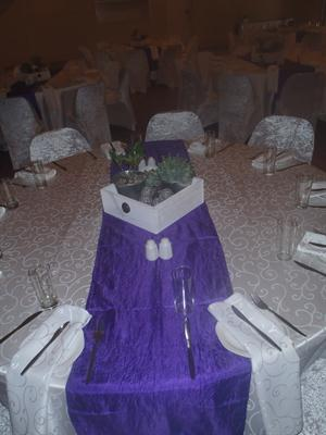 Purple runner with wooden box