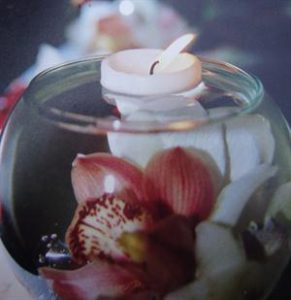 rose-lily-vase-with-floating-candle-and-imersed-flower