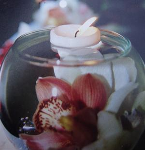 Rose lily vase with candle & orchid