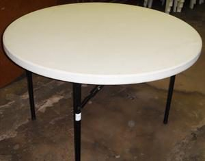 Round White plastic table 120cm