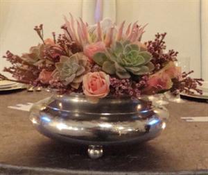 Rose vase flower centerpiece