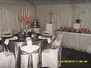 Table setting with Gunmetal cloths