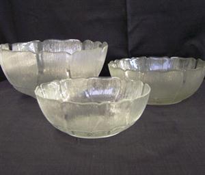 Glass salad bowls