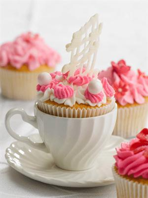 Vanilla cup cake in teacup